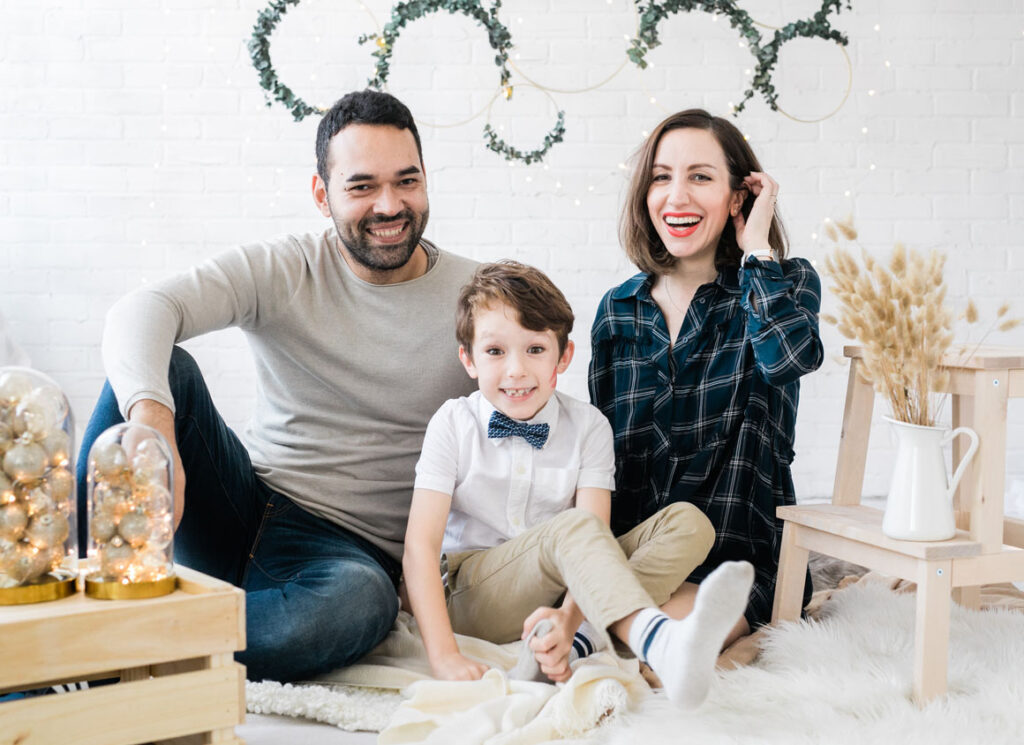 Family Christmas Mini Sessions in Minimal Background